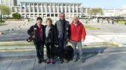 Les bénévoles face à l'Hôtel de Ville du Havre