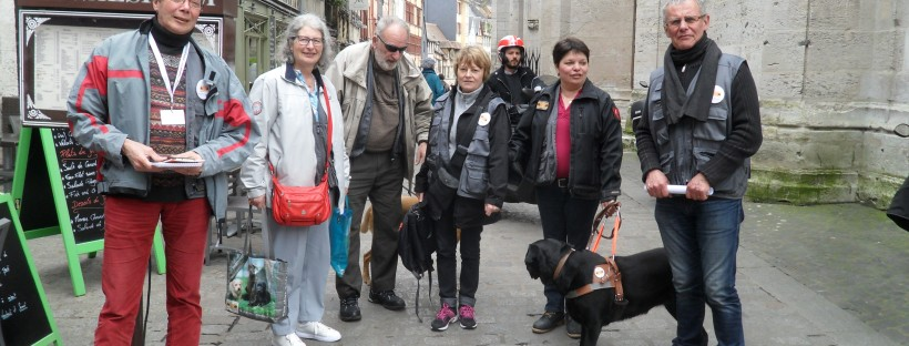 Les bénévoles dans les rues de Rouen