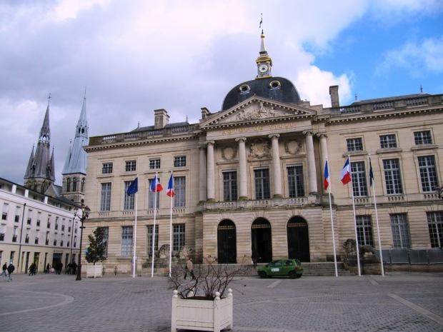 Hôtel_de_ville_de_Châlons-en-Champagne